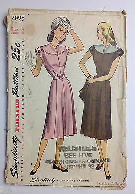 Vintage 1940s 1950s SIMPLICITY Women Sewing Pattern 2095 One-Piece Dress B32