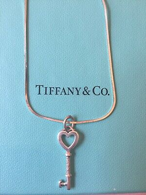 8c403c620b4f6 AUTHENTIC EXCELLENT TIFFANY & Co Notes Script Oval Locket 5th Fifth ...
