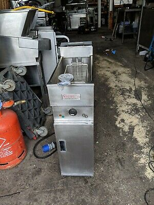 COMMERCIAL VALENTINE ELECTRIC FRYER   SINGLE TANK SINGLE BASKET   and single phs
