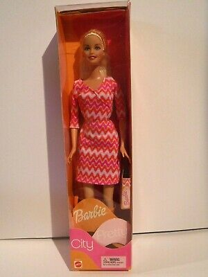 New City Pretty Barbie -  2002  - Mnrfb