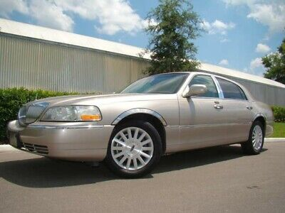 2003 Lincoln Town Car  2003 LINCOLN TOWNCAR EXEC ONLY 49K LOW MILES! BEAUTIFUL! 2 OWNERS! FL!