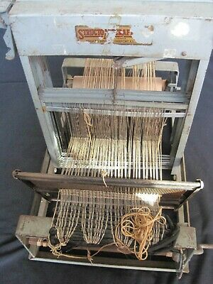 Vintage Structo Artcraft Tabletop Loom Sewing Knitting Artist.  8 harness.