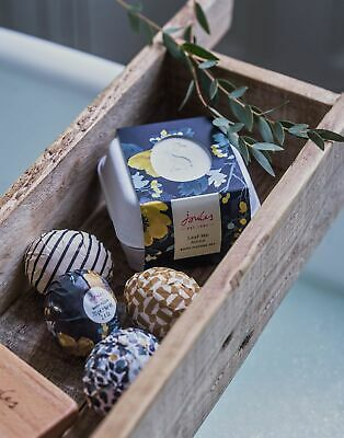 Joules Bath Fizzers Set Of Four 70g ONE in FRENCH NAVY FLORAL in One Size