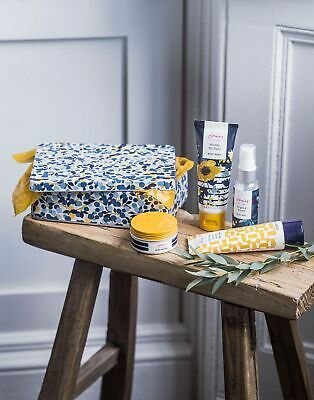 Joules Home Mini Collection Toiletries Set in SLOE BERRY DITSY in One Size