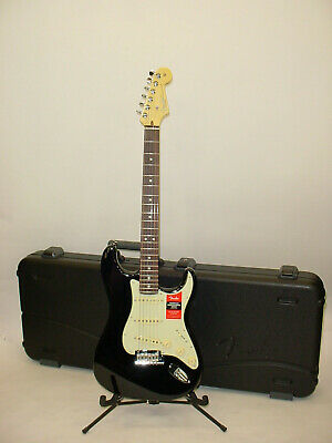 Fender American Professional Stratocaster Electric Guitar Case Candy & COA 2018