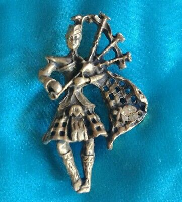 Vintage Bagpipe player Scott Scottish Scotsman brooch pin