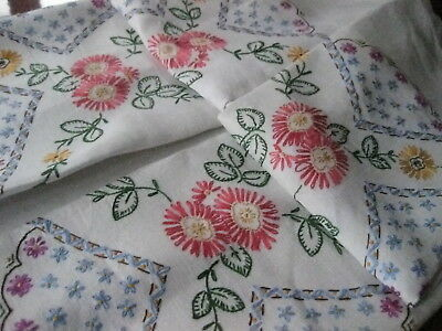 VINTAGE HAND EMBROIDERED LINEN TABLE CLOTH (43  x 42 inches)