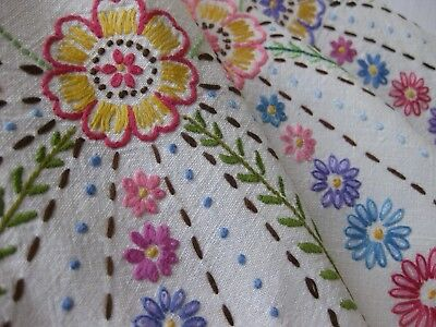 Pretty Vintage Hand Embroidered Linen  Table Cloth