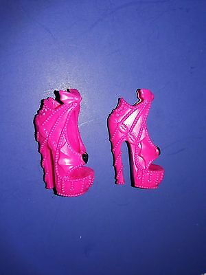 Monster High Doll Clothes Frights Camera Action Draculaura Pink Shoes Heels