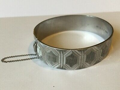 Vintage 1989,solid Str Silver Bangle With Safety Chain.  Art Deco Etched Design