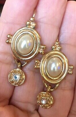 STUNNING VINTAGE 80s 90s CLASSIC BYZANTINE ETRUSCAN FAUX PEARL DROP EARRINGS
