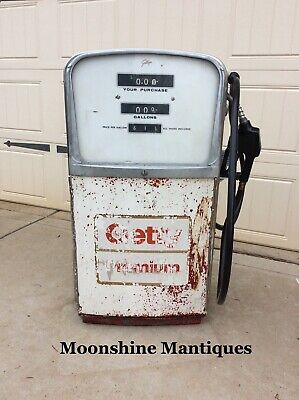 GILBARCO GAS PUMP with card reader, 6 nozzle - $1,500 00