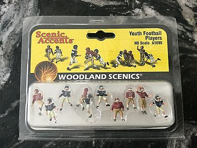 Woodland Scenics 1/87 Ho Scale Youth Football Players #  A1895 Factory Sealed