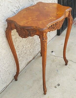 Vtg Fluted Walnut Carved French Inlaid Side Lamp Table Pierced Apron LA