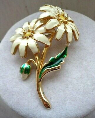 Vintage Signed Joan Rivers Double Daisy Flower W/ Leaves Enamel Golden Brooch