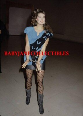 BROOKE SHIELDS COLOR candid photo in HANDCUFFS (103)