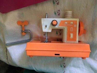 Vintage Berwick Playtime Sewing Machine. Toy Hand Operated In Box