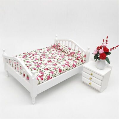 Dollhouse Accessories Wood Bed Flower Pattern Mini Furniture For 1/12Scale Doll