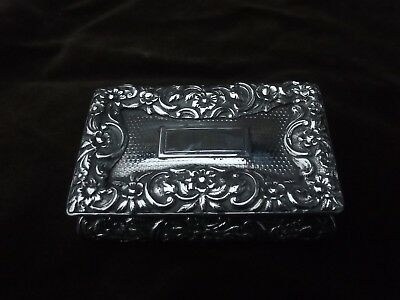 1832 quality Nathaniel Mills William 1V snuff box with cast lid 5ozs