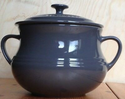 Le Creuset Stoneware LARGE BEAN POT with LID, Grey/Granite Grey, 3.8L BNWT 2nd Q