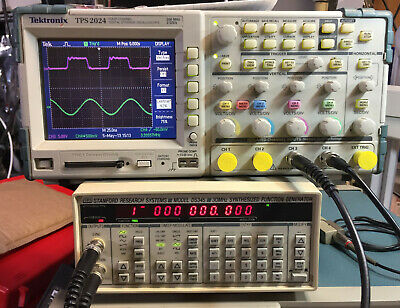 Stanford Research DS345 30MHz Synthesized Function Generator opt 01 & 02, Tested