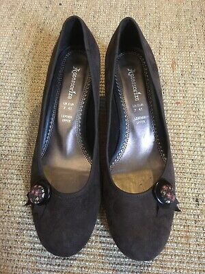 Accessorize Brown Suede Shoes Size 7