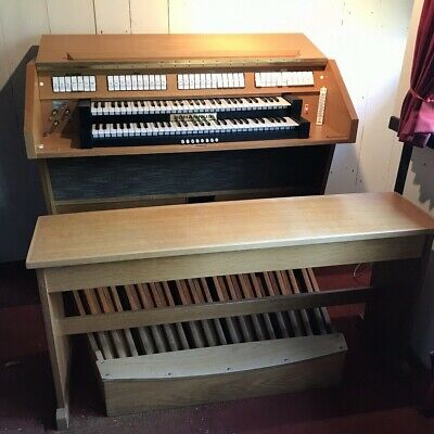 JOHANNUS OPUS 220  Fully working Electronic 2-Manual Organ with full Pedal  board