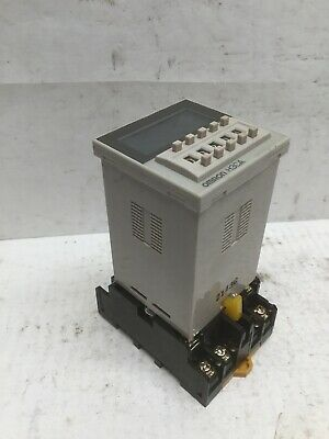 Omron H3CA-A Timer Relay W/ Omron P2CF-11 Relay Socket