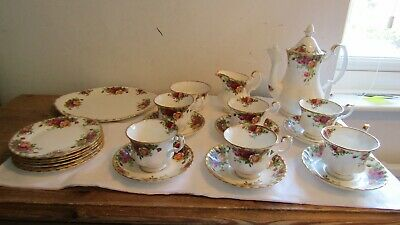 Vintage Royal Albert Old Country Roses 22 Piece Coffee Set