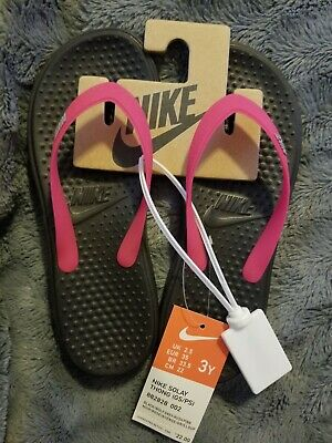 on sale 77a3c fe1d8 Nike NEW Big Kids Girls Solay Flip Flop Sandal Shoes Thong Youth 3 Y Pink  Black