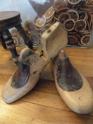 Antique Vintage Pair Shabby Industrial Factory Chic Wood Shoe Lasts 2 Display