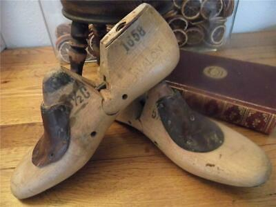 Antique Vintage Pair Shabby Industrial Factory Chic Wood Shoe Lasts 4 Display