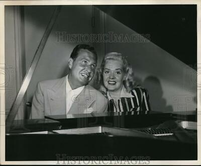 1946 Press Photo Phil Harris ALice Faye KGW Sundays - orp18582