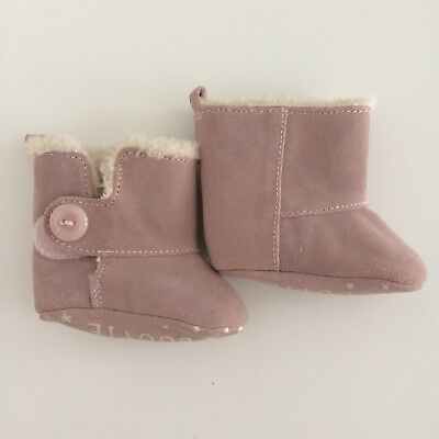 Baby Girls M&S Pale Pink Leather Faux Fur Lined Booties Size 0-3 Months