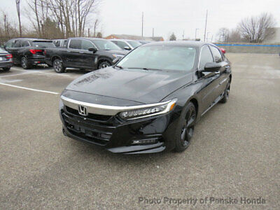 2018 Honda Accord Sedan Touring 2.0T Automatic with accessories Touring 2.0T Automatic with accessories Low Miles 4 dr Sedan Automatic Gasoline