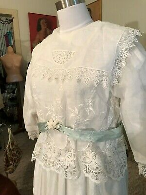 Exquisite Antique Vtg. 1900's Edwardian Elegant French Lace Wedding Gown