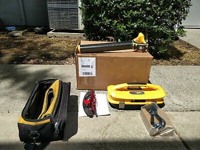 Vivax Metrotech vLocPro2 Pipe Cable pipe Locator with Transmitter  and case