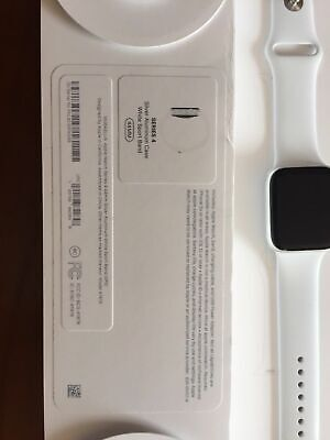 Apple Watch Series 4  44Mm Silver Aluminum White Sport Band (Gps)