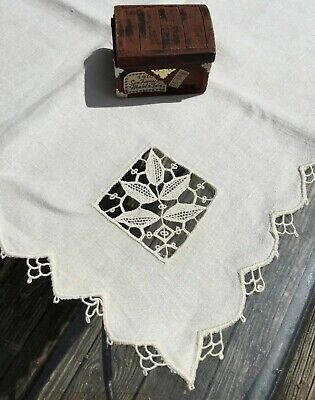 Vintage Arts & Crafts Hand-Embroidered Natural Linen Lace Tablecloth 43 In Mint