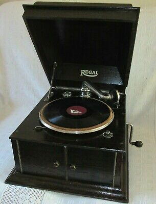 1930's Regal Table Top Gramophone With Columbia Movement. Working.
