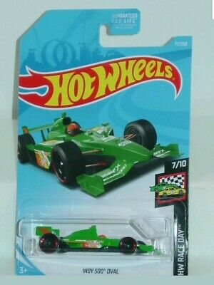 Hot Wheels 2018 #77 Indy 500 Oval.