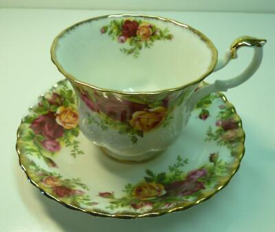 Royal Albert  Bone China Teacup Saucer OLD COUNTRY ROSES