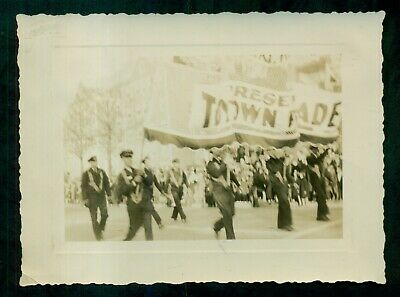 "1940's Baltimore,MD - Hochschild,Kohn & Co. ""Toytown Parade"" Marching Band Photo"