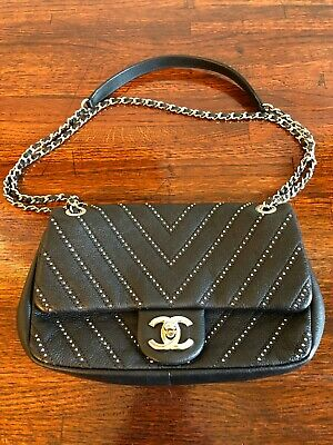 316165eddfcd CHANEL STATEMENT FLAP Bag Chevron Calfskin Small - $3,335.00 | PicClick