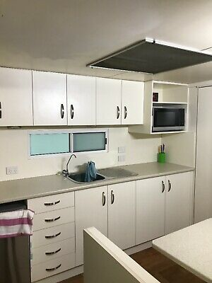 30ft Caravan- Ensuite,-Renovated-Huge-Suit Permenant site only.