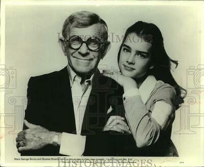 """1979 Press Photo George Burns and Brooke Shields act in """"Just You and Me, Kid"""""""