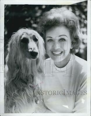1971 Press Photo Eve Arden Actress and dog - RSG13287