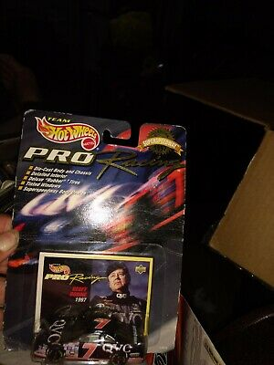 Hot Wheels Pro Racing NASCAR #7 Geoff Bodine 1997 1/64 scale race car unopened