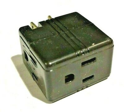 2-PK Eagle BROWN Single Grounding Cube Tap With Three Outlets 1482 NEW WOW!