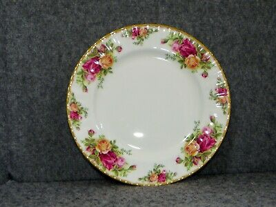 """Excellent Condition 6 3//8/"""" Royal Albert 1962 Old Country Roses Side Plate"""